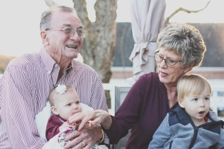 grandparents-1969824_640.jpg
